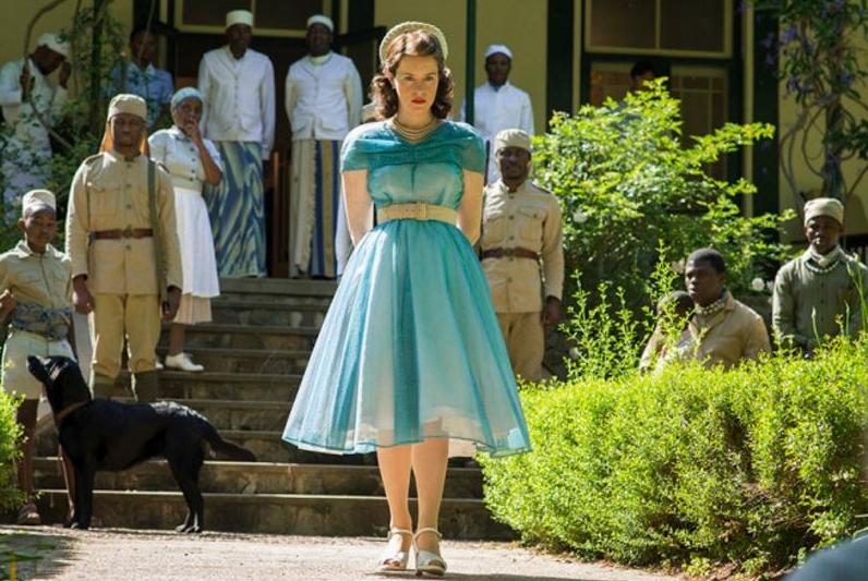 Meraviglioso abito di Amy Roberts. I La più bella del Reame Style Coach